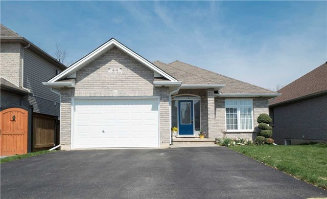 pictures of 44 Maich Cres, Brant N3T6S9