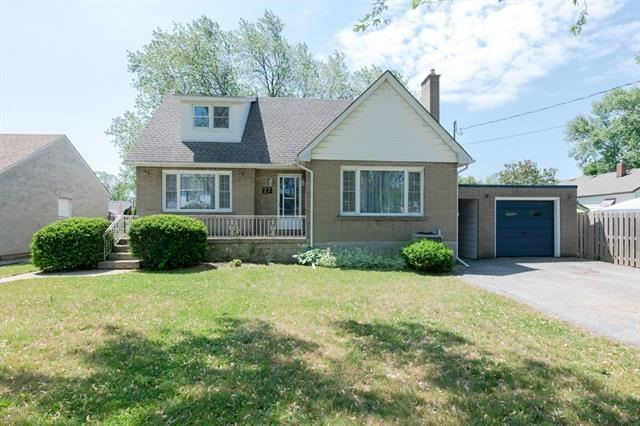 pictures of 27 Beechwood Ave, Welland L3C 3X3