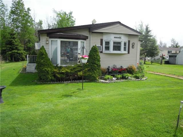 pictures of 36 Maple Grove St, Southgate N0C1B0