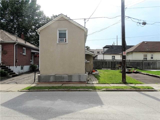 pictures of 67 Sherbourne St E, St. Catharines L2M5R1