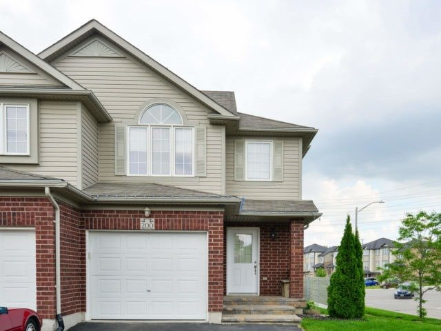 pictures of 200 Featherstone Cres, Kitchener N2R1Z4