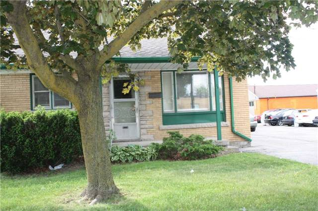 pictures of 26 6th Ave, Kitchener N2C1R1