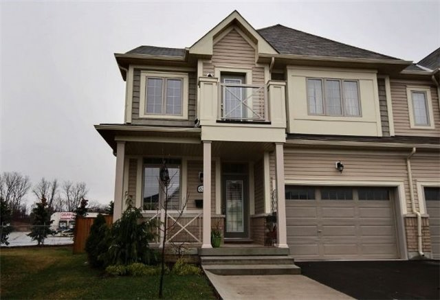 pictures of 62 Dominion Cres, Niagara-on-the-Lake L0S1J1