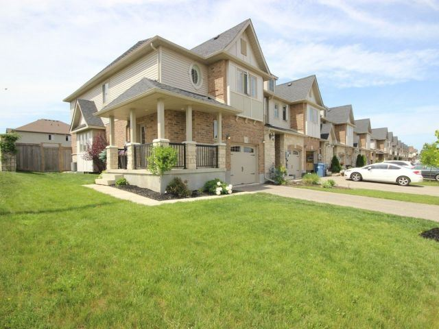 pictures of 2 Couling Cres, Guelph N1E0J7