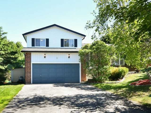 pictures of 1 Evans Ave, Amaranth L9W 3Z1