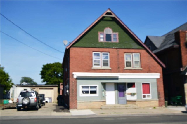 pictures of 205 Welland St, Port Colborne L3K 1W8