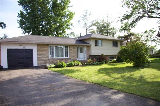 pictures of 705 Winston Rd, Grimsby L3M4E8