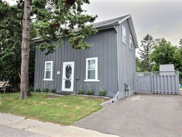 pictures of 122 Adeline St, Shelburne L9V3J8