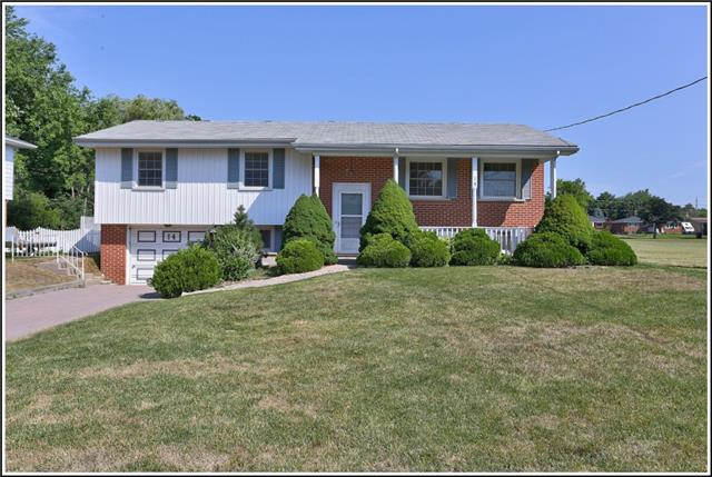 pictures of 14 Ralston Dr, Port Hope L1A 2C1