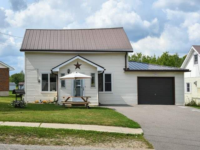 pictures of 210 Owen Sound St, Southgate N0C 1B0