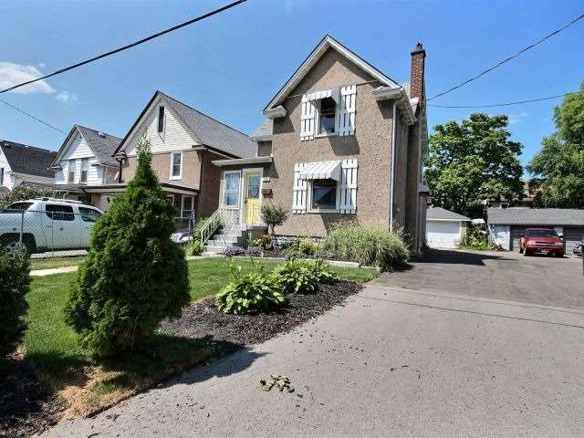 pictures of 186 Young St, Welland L3B4C8
