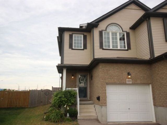 pictures of 1319 Countrystone Dr, Kitchener N2N3R9