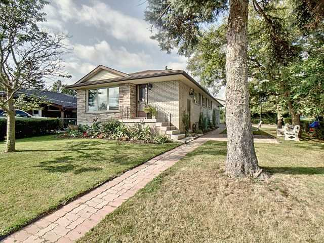 pictures of 256 Orkney St, Haldimand N3W1A9