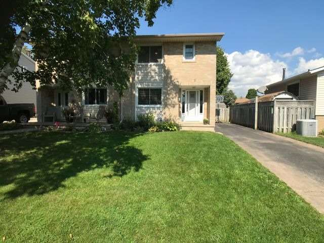 pictures of 9 Roberts Cres, Kitchener N2E1A6
