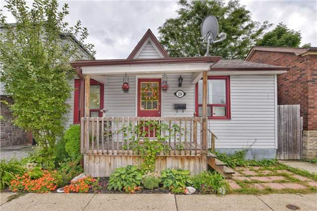 pictures of 228 Bay St N, Hamilton L8R2R2