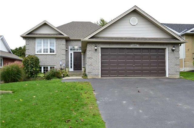 pictures of 134 Aspen St, Brant N3L 4B5