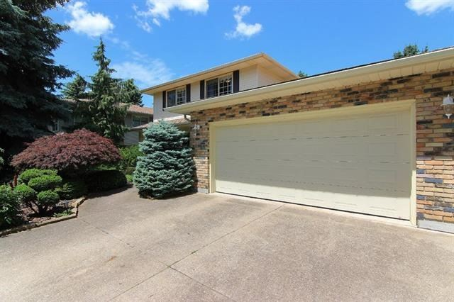 pictures of 92 Spruceside Cres, Pelham L0S 1E1