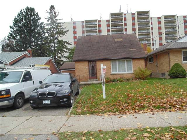 pictures of 33 Belmont Ave E, Kitchener N2M 4B8