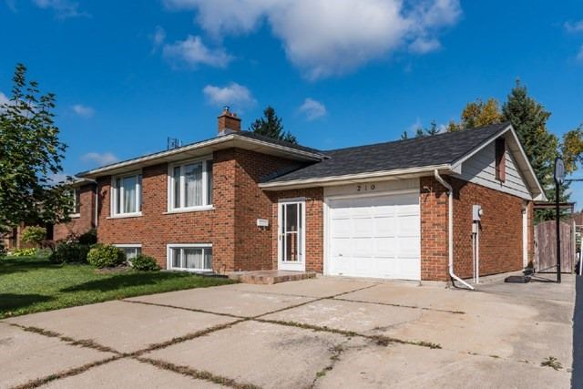 pictures of 210 Northlake Dr, Waterloo N2V 1A8