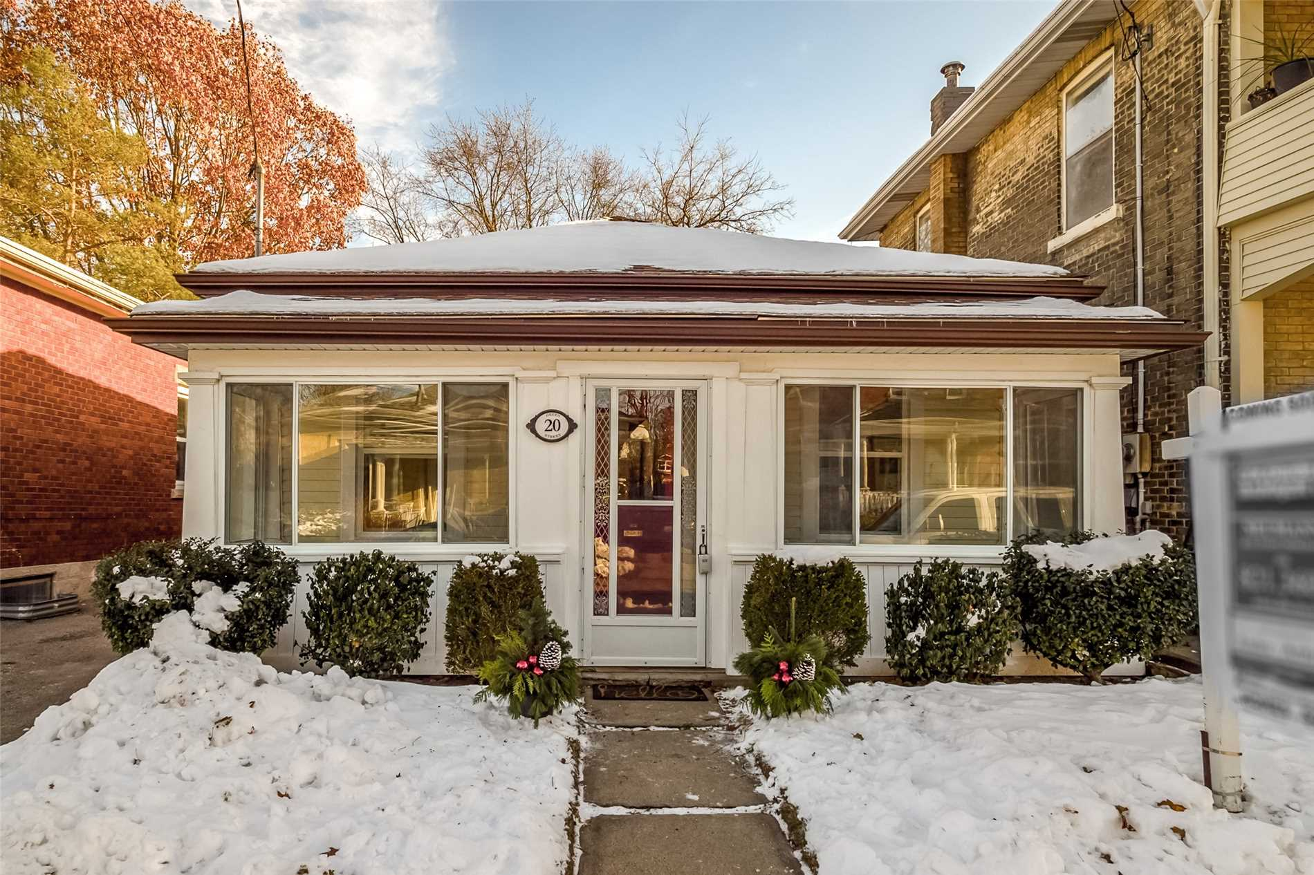 pictures of 20 Green St, Guelph N1H2H1