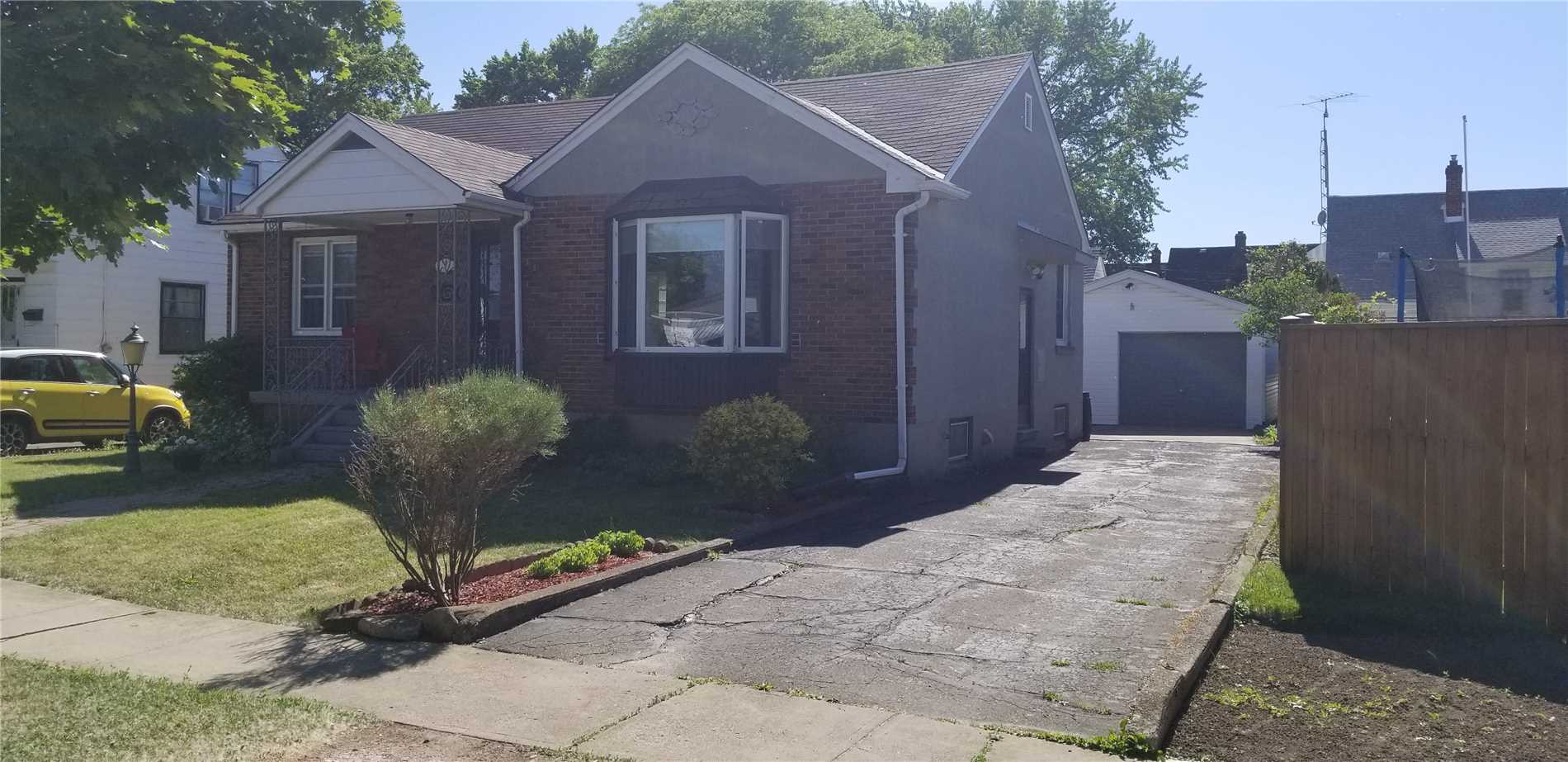 pictures of 9 Nestor St, St. Catharines L2P 1T8