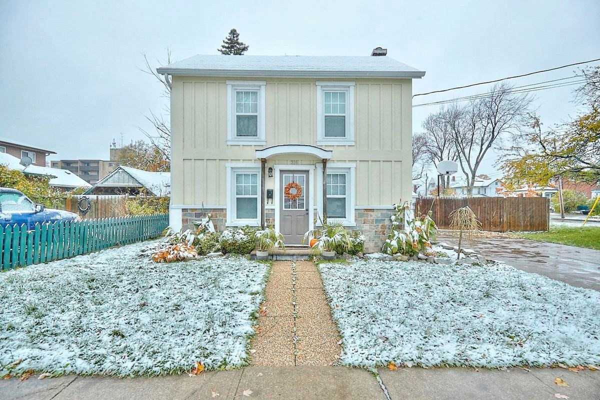 pictures of 310 Catharine St, Port Colborne L3K4L2