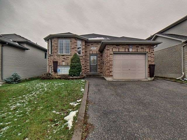 pictures of 95 Mcguiness Dr, Brantford N3T6R6