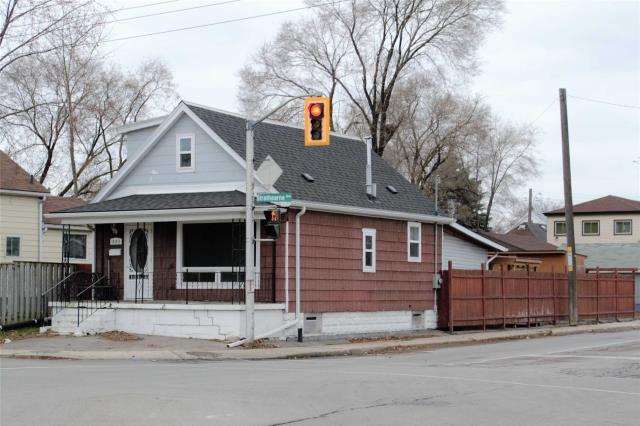 pictures of 221 Strathearne Ave, Hamilton L8H 5K7