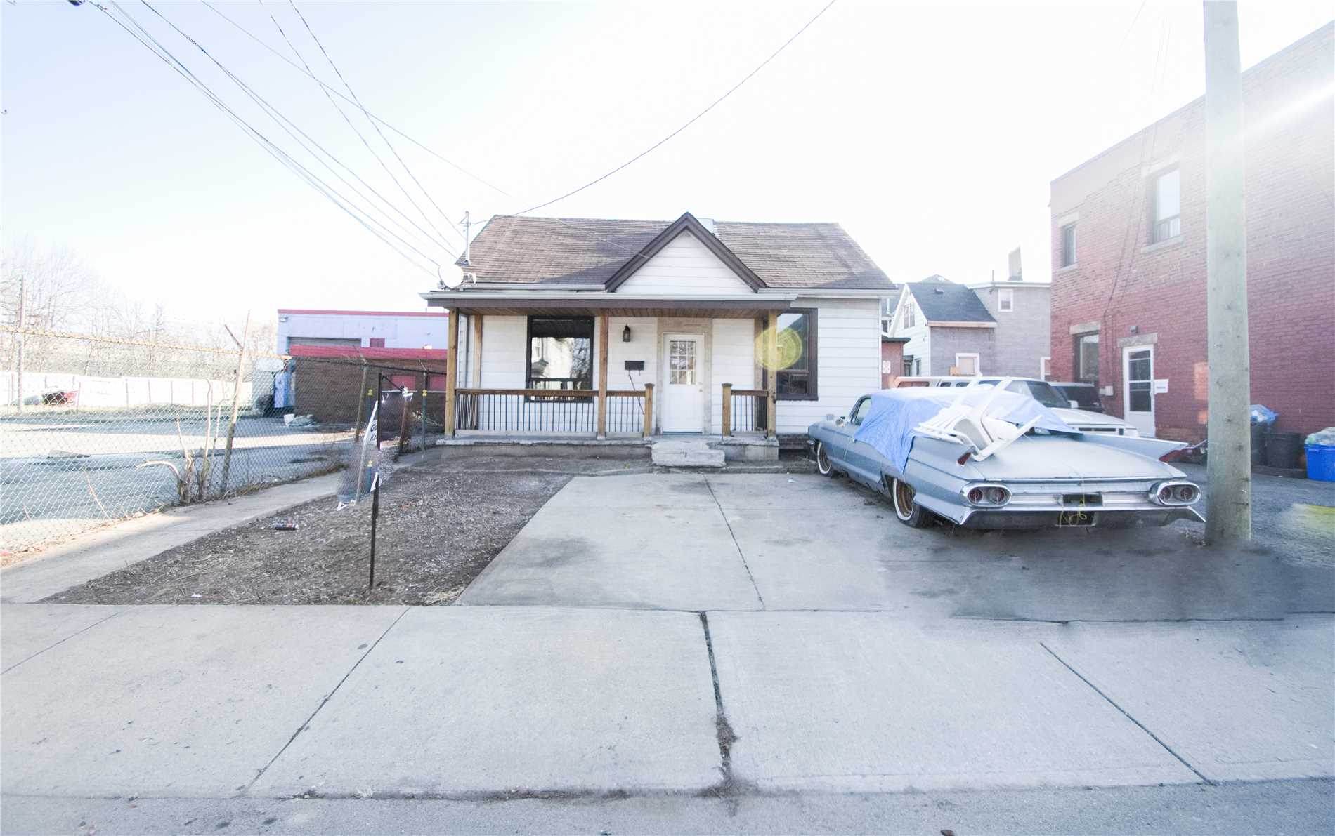 pictures of 248 Gibson Ave, Hamilton L8L 6K4
