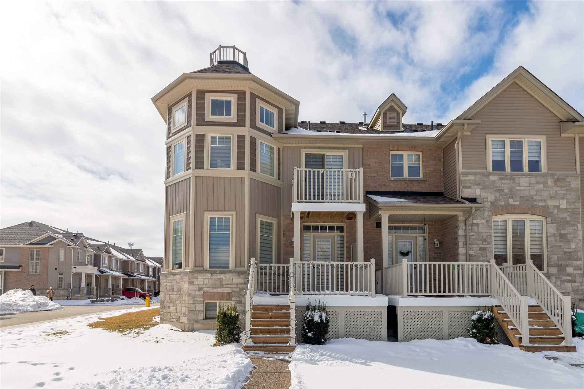 pictures of 102 Dunrobin Lane, Grimsby L3M 0H4