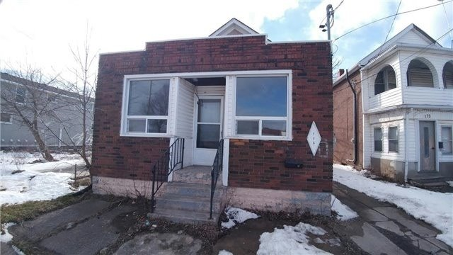 pictures of 175 Burgar St, Welland L3B 2T3
