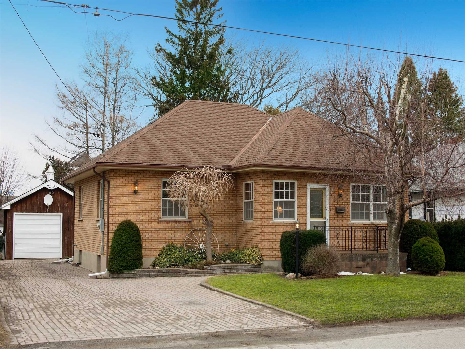 pictures of 283 Central Ave, Grimsby L3M 1X6