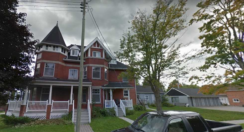 pictures of house for sale MLS: X4411431 located at 220 Owen Sound St, Shelburne L9V3L4
