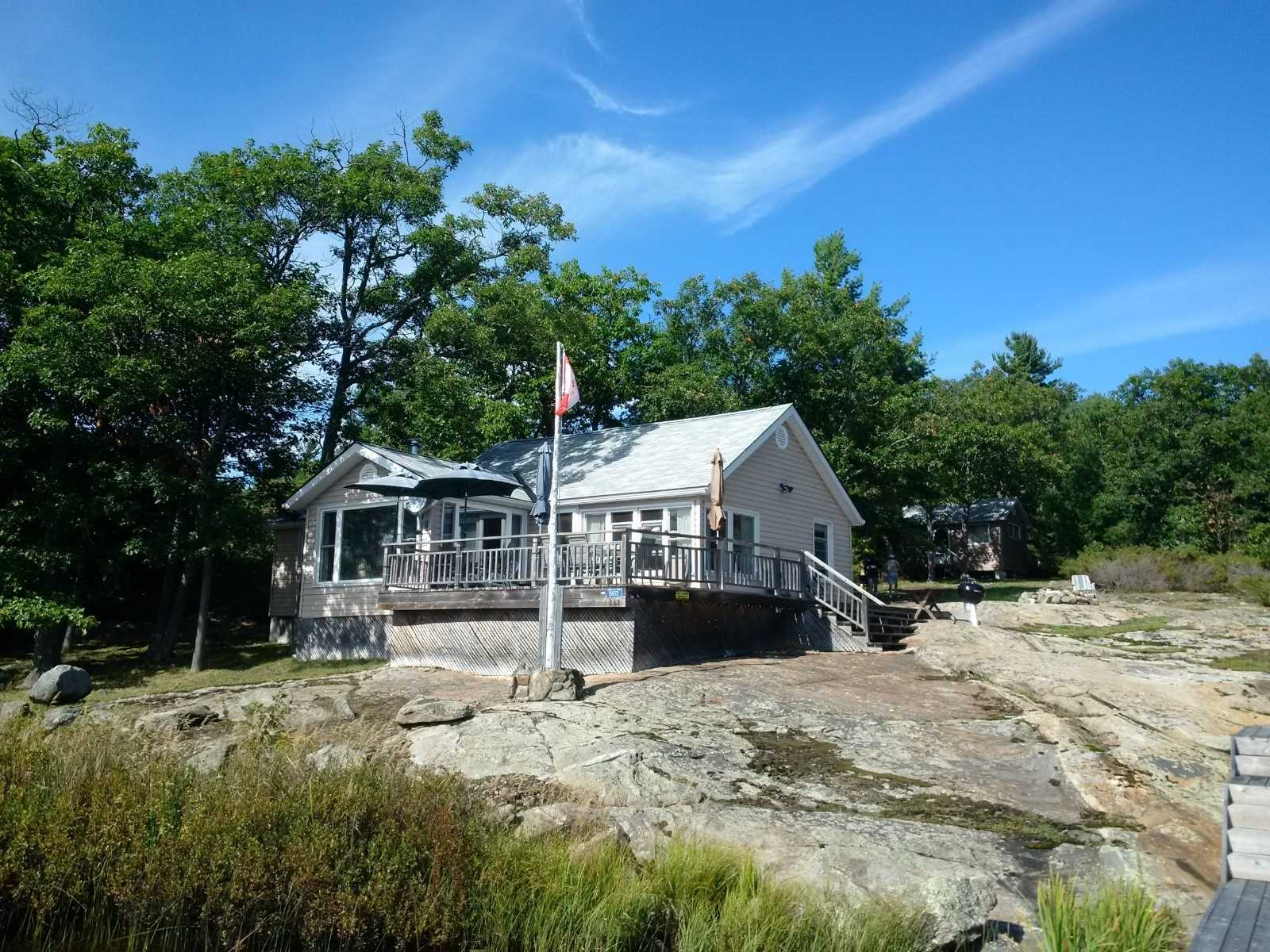 pictures of house for sale MLS: X4544162 located at 15972 Georgian Bay Shore, Georgian Bay P0E1E0