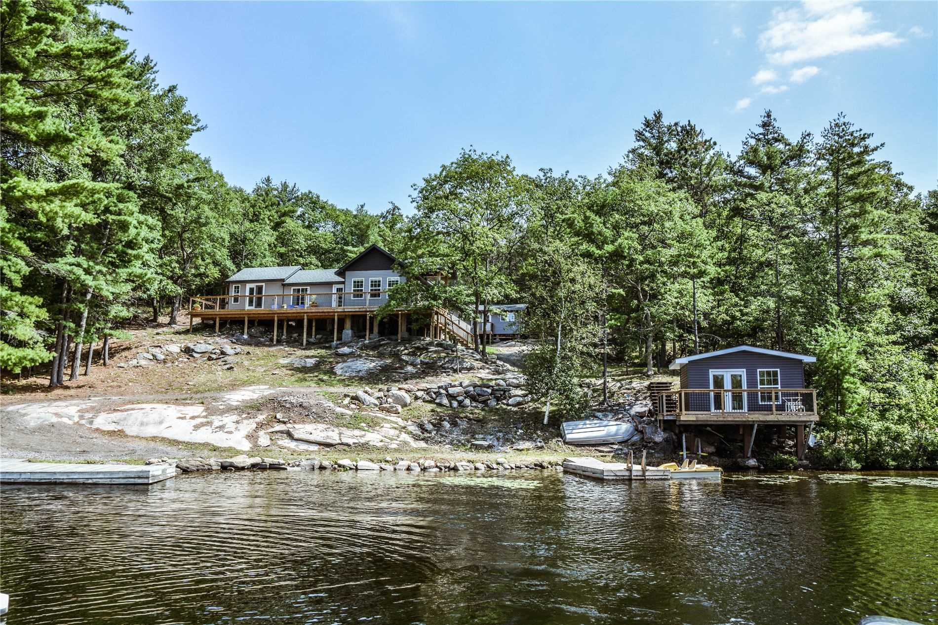 pictures of house for sale MLS: X4556429 located at 6900 Go Home Lake Shore, Georgian Bay P0C1H0
