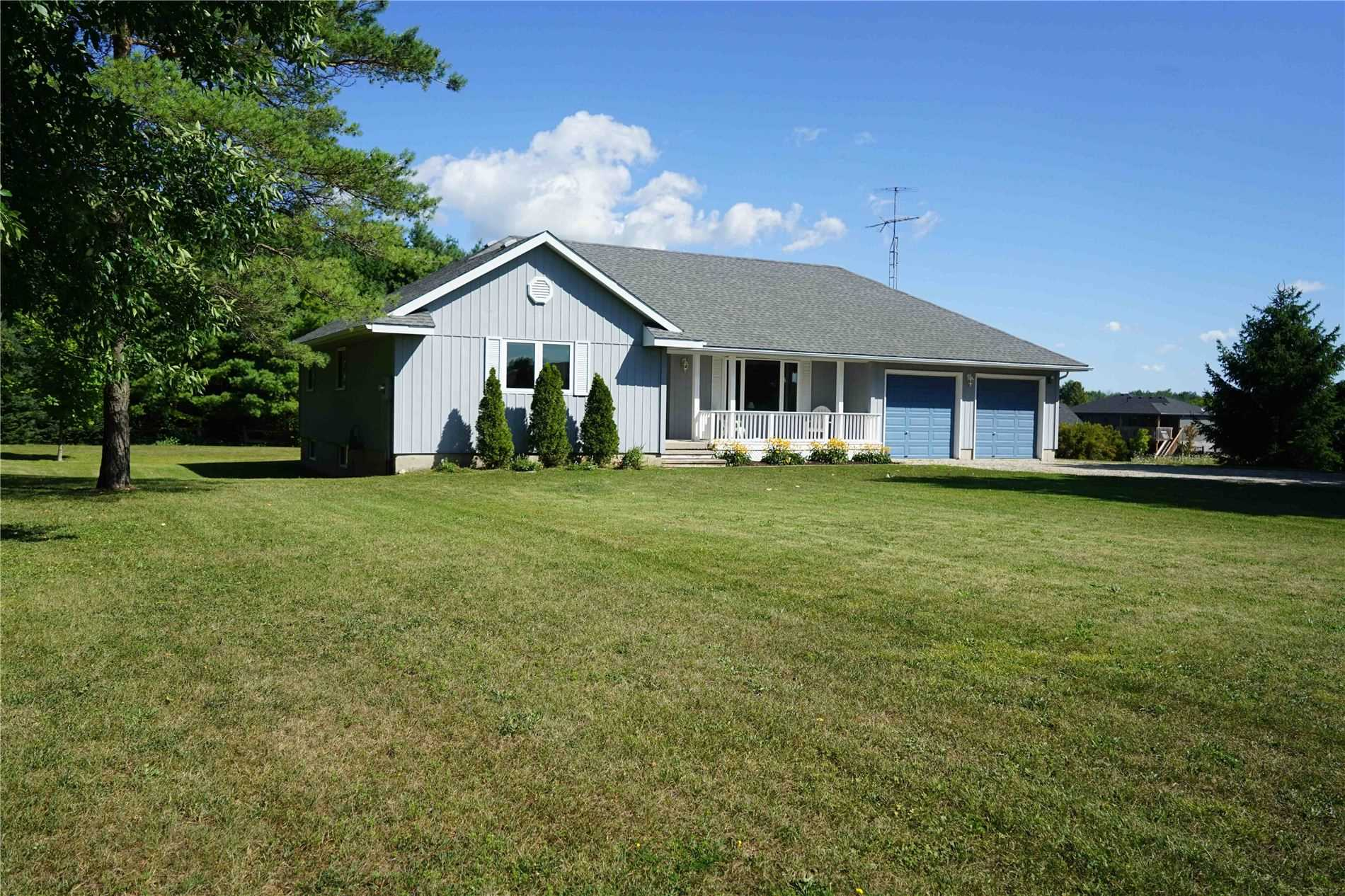 pictures of house for sale MLS: X4561210 located at 822743 Sideroad 1, Chatsworth N0H1G0