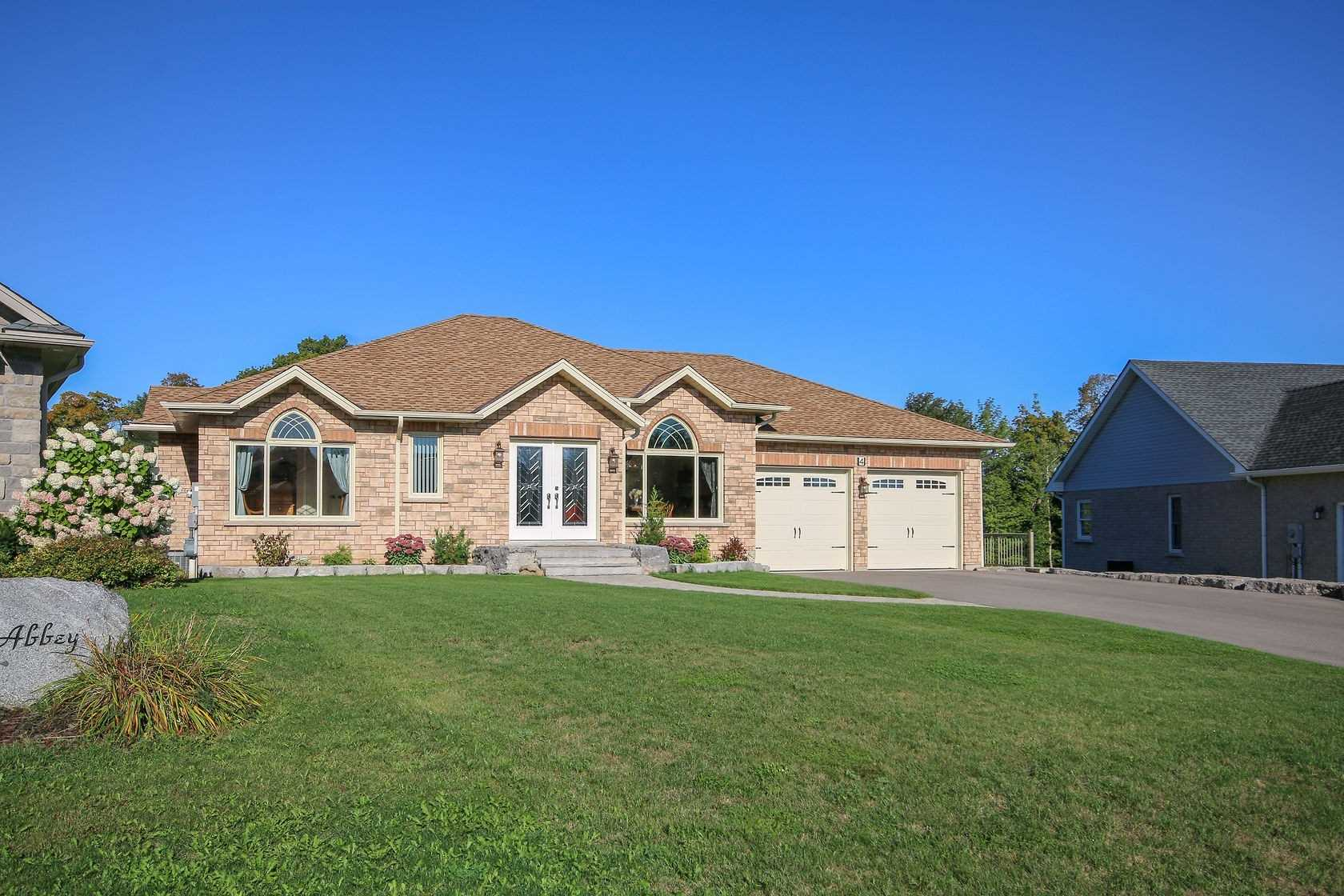 pictures of house for sale MLS: X4583810 located at 4 Glen Abbey Crt, Meaford N4L1Y4