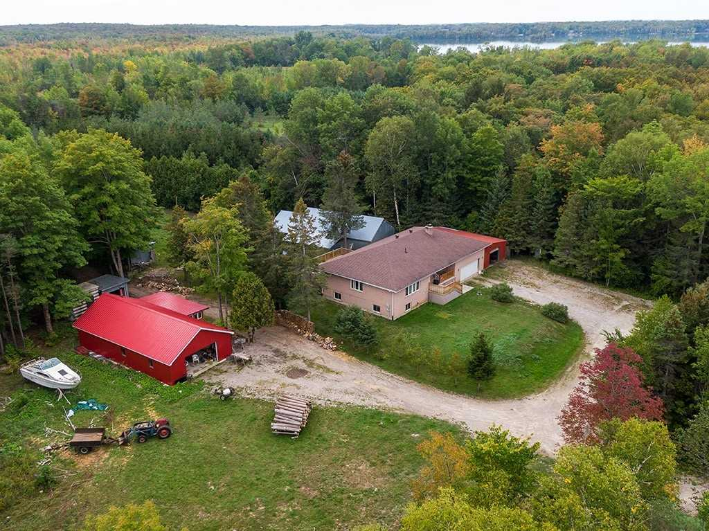 pictures of house for sale MLS: X4586318 located at 51 Parkside Ave, South Bruce Peninsula N0H2T0