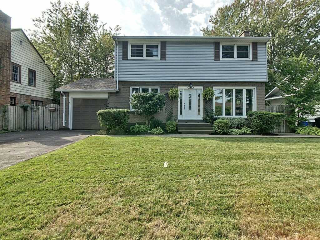 pictures of house for sale MLS: X4598818 located at 225 Edgar St, Welland L3C1T6