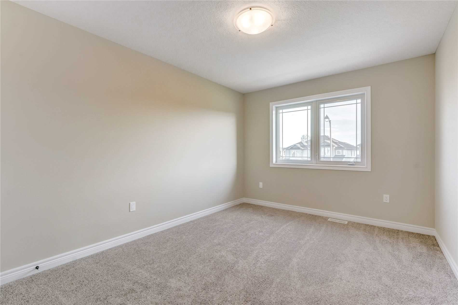 Image 6 of 19 showing inside of 4 Bedroom Detached 2-Storey house for sale at 4 Stuckey Lane, East Luther Grand Valley L0N1G0