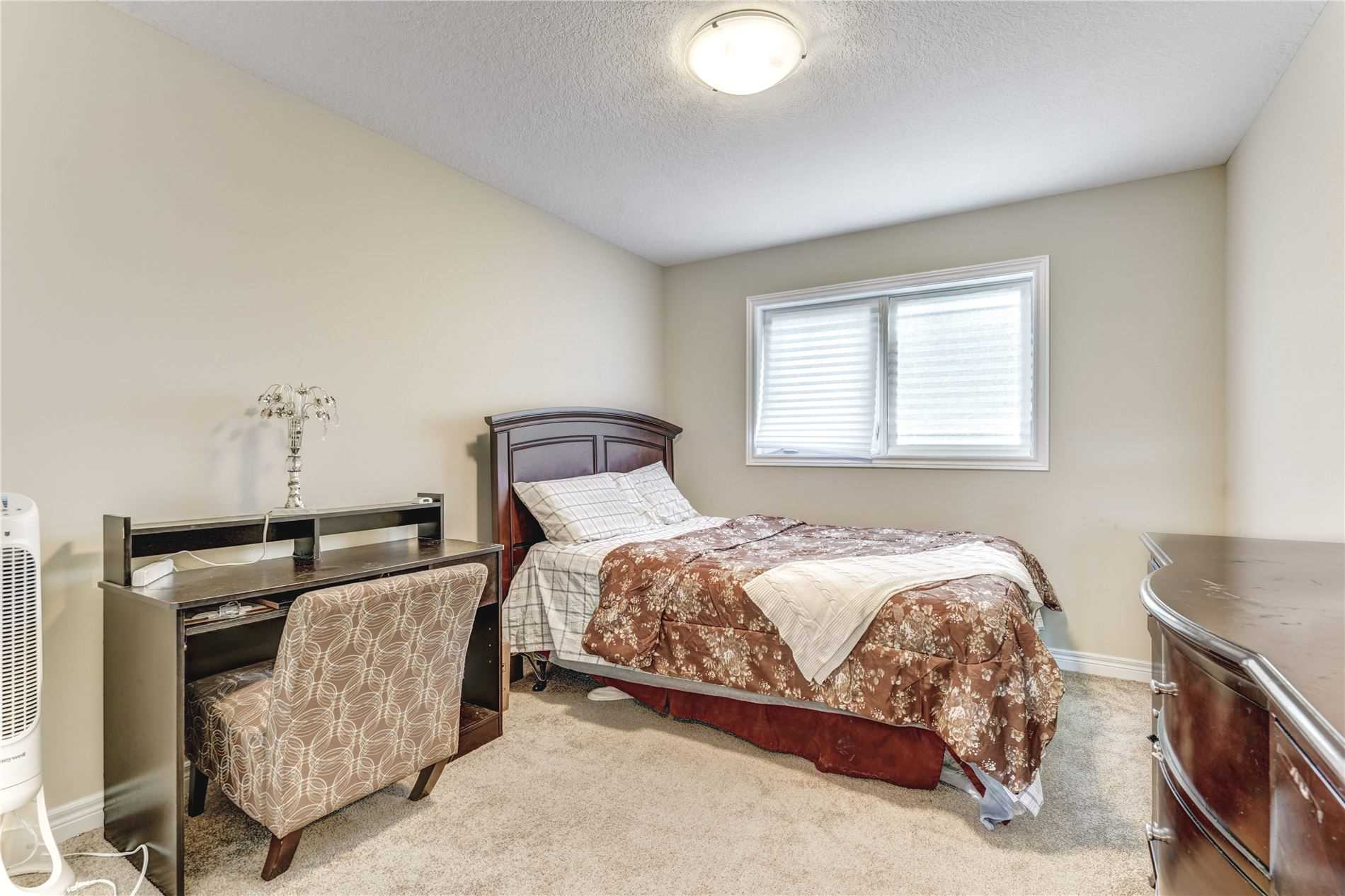 Image 7 of 19 showing inside of 4 Bedroom Detached 2-Storey house for sale at 4 Stuckey Lane, East Luther Grand Valley L0N1G0