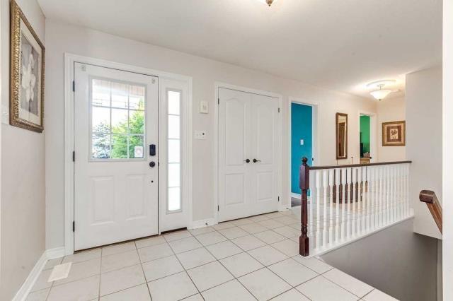 Image 2 of 20 showing inside of 3 Bedroom Detached Bungalow house for sale at 3947 Larose Cres, Port Hope L0A1B0