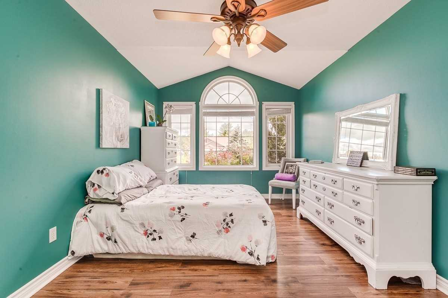 Image 6 of 20 showing inside of 3 Bedroom Detached Bungalow house for sale at 3947 Larose Cres, Port Hope L0A1B0
