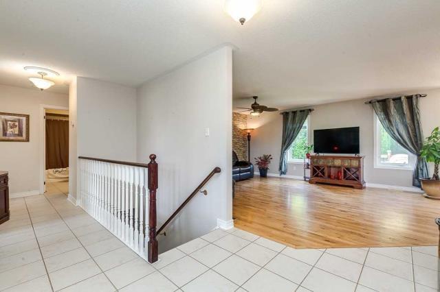 Image 14 of 20 showing inside of 3 Bedroom Detached Bungalow house for sale at 3947 Larose Cres, Port Hope L0A1B0