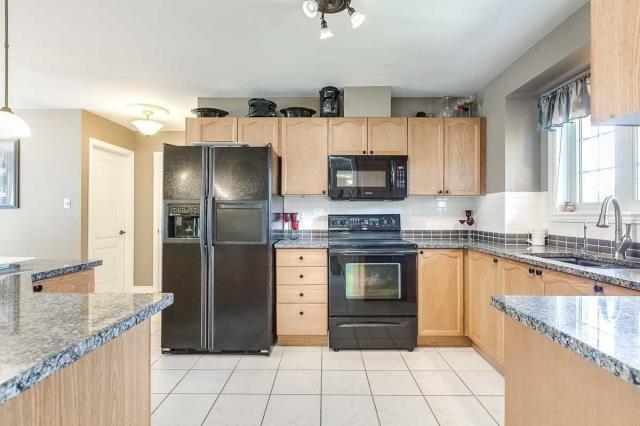 Image 19 of 20 showing inside of 3 Bedroom Detached Bungalow house for sale at 3947 Larose Cres, Port Hope L0A1B0