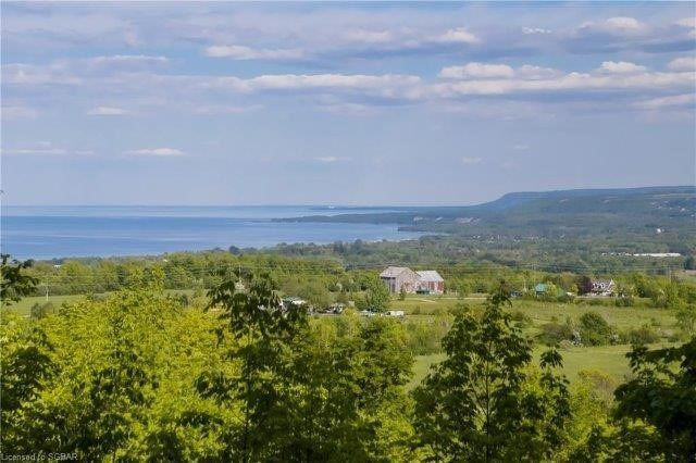 pictures of house for sale MLS: X4615288 located at 265486 25 Sideroad, Meaford N4L1W5