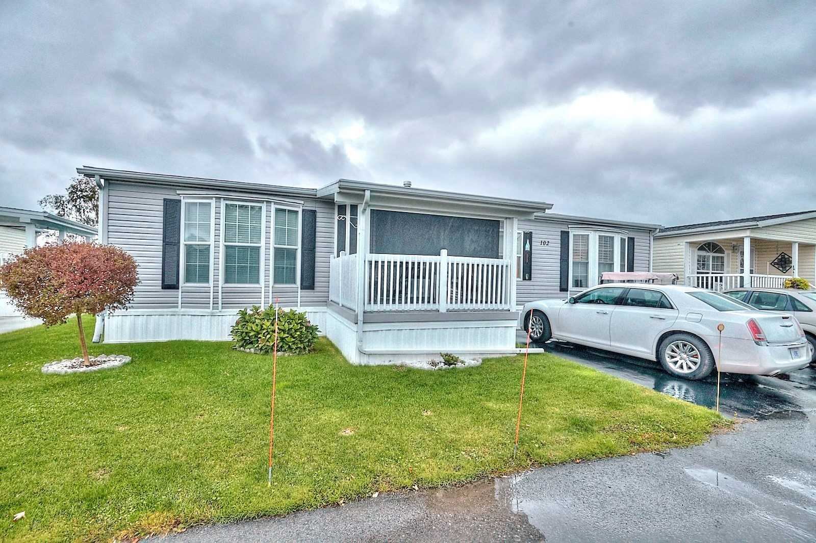 pictures of house for sale MLS: X4622052 located at 3033 Townline  Rd, Fort Erie L0S1S1