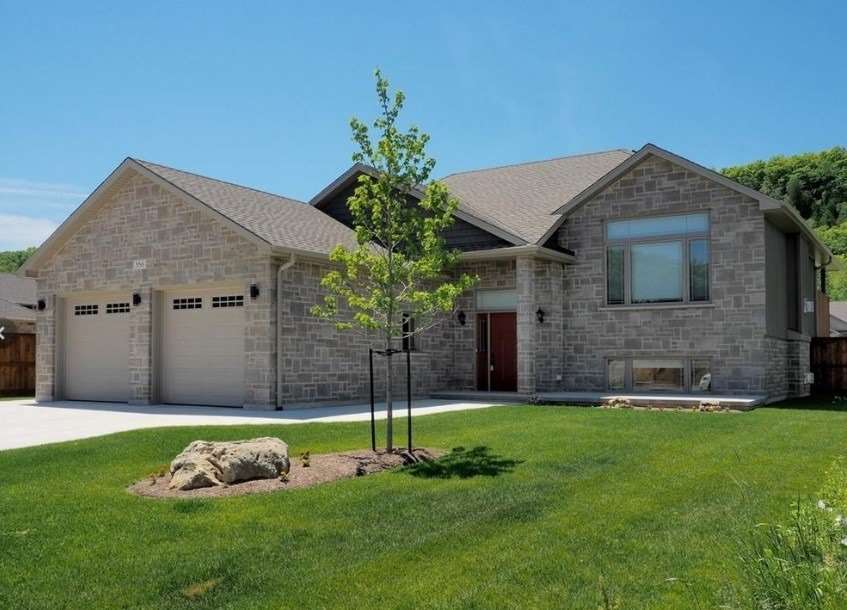 pictures of house for sale MLS: X4638674 located at 358 5th Avenue A West, Owen Sound N4K6S7