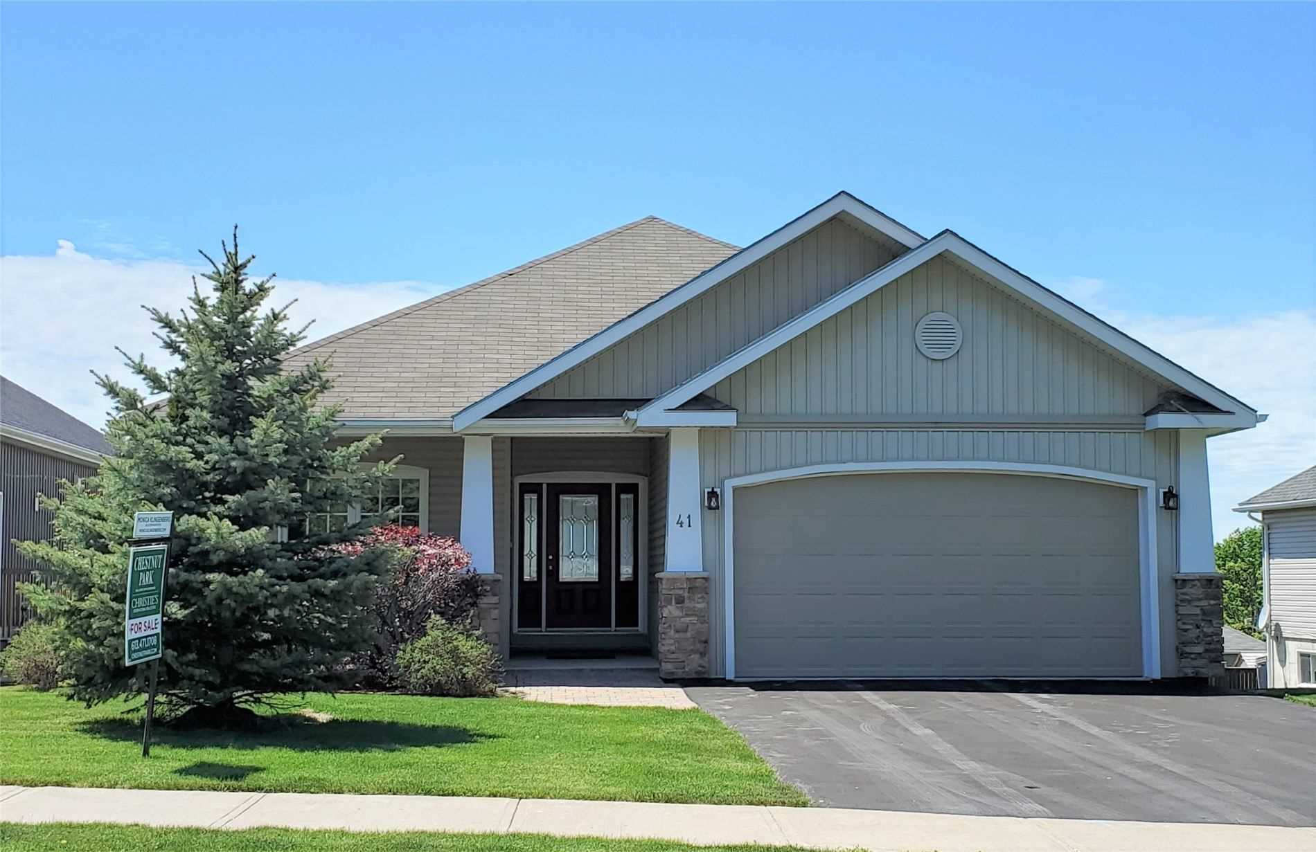 pictures of house for sale MLS: X4642614 located at 41 Owen St, Prince Edward County K0K2T0