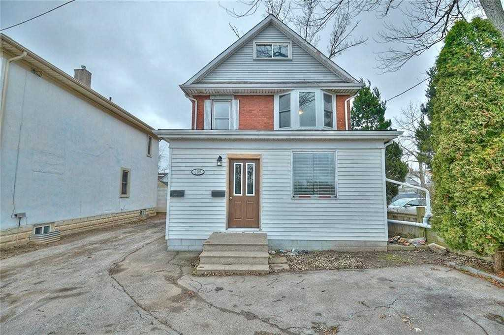 pictures of house for sale MLS: X4646822 located at 209 West Main St, Welland L3C5A4
